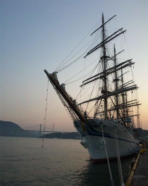 帆船なども時折寄港